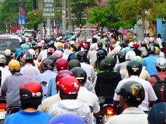 Traffic in HCMC (Saigon), Vietnam // i try explaining it to people...