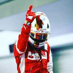 The finger #ReadySetRed