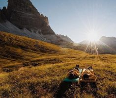 Chilling out max nature style in Tre Cime di Lavaredo, Italy /// #travel #wanderlust