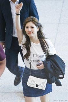 World's Cutest Girl, Bae Suzy, Korean Girl, Korean Style, Korean Beauty, Asian Beauty, Beautiful Asian Girls, Beautiful Women, Korean Model