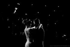 fotografia de casamento em preto & branco tem toooodo um glamour especial, né?