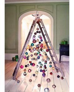 """Alberi di #Natale molto """"riciclosi"""""""