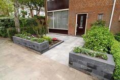 budget tuin ideeen - Google zoeken Front Porch, Sweet Home, Patio, Budget, Outdoor Decor, House, Outdoors, Gardening, Home Decor