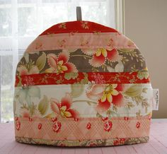 Quilted Tea cozy: I have made these as gifts