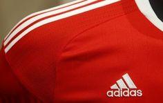 Adidas sets sights on football stars in big U.S. drive