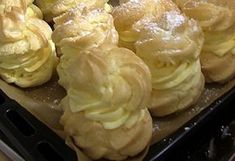 Wer Brandteig mag und noch mit Vanillefüllung wird dieses Rezept lieben!!!! Mit dem luftigen Teig und der herzhaft cremigen Vanillefüllung trifft dieser kleine Krapfen jede Geschmacksknospe:))) Ich…