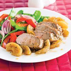 Filet de porc caramélisé aux pommes......Accompagné d'un sauté de légumes ou d'une salade d'épinards et vinaigre balsamique, ce filet de porc est digne des grands plats gastronomiques! Pork Recipes, Healthy Recipes, Healthy Food, G 1, Pot Roast, Bacon, Yummy Food, Lunch, Carne Asada