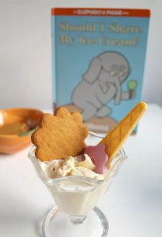 Pumpkin Ice Cream Recipe Idea for Kids to Make with Friends Pumpkin Ice Cream, Make Ice Cream, Fall Recipes, New Recipes, Amazing Recipes, Thanksgiving Recipes, Creative Snacks, Cooking With Kids, Preschool Cooking