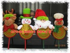 Let's decorate with Santa Claus - Colga doors Felt, Step by Step Christmas Cupcakes, Christmas Themes, Christmas Crafts, Christmas Decorations, Holiday Decor, December Holidays, Fabric Wreath, Candy Bouquet, 3d Craft