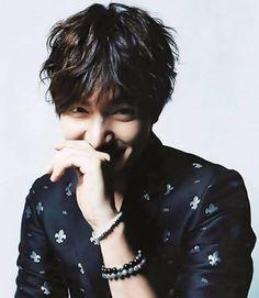 Lee Min Ho. The middle-part bedhead fringe