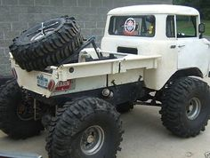 """Nice old Jeep FC Truck … I'm thinking we need to go back to making a modern version of this great looking beast "" Jeep 4x4, Jeep Truck, Lifted Trucks, Cool Trucks, Pickup Trucks, Cool Cars, Jeep Pickup, Truck Rims, Mini Trucks"