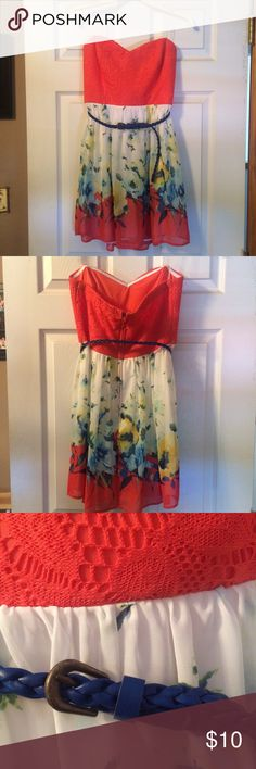 Floral Strapless Dress Coral strapless dress with floral detail. Comes with a navy belt. Very good condition. Dresses Strapless