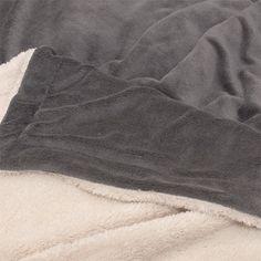 Lars coral fleece plaid. (150x200cm)  Leverbaar in verschillende kleuren  NU €27,50