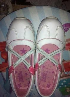 Kaufe meinen Artikel bei #Mamikreisel http://www.mamikreisel.de/kleidung-fur-madchen/sneakers/29477141-ballerinas-aus-usa-wie-neu-gr-33