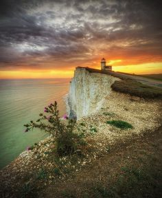 Belle Toute Lighthouse, Beachy Head, Eastbourne, East Sussex, England