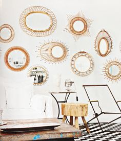 rattan mirror gallery wall #decor #espelhos #walls #paredes #rattan
