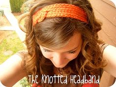 The Knotted Headband DIY headband tutorials, awesome sight and instructions. Crochet Crafts, Crochet Projects, Free Crochet, Knit Crochet, Easy Crochet, Tutorial Crochet, Diy Crafts, Crochet Chain, Headband Tutorial