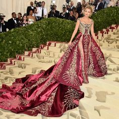 Blake Lively from 2018 Met Gala Red Carpet Fashion in Atelier Versace. Heavenly Bodies: Fashion and the Catholic Imagination Beautiful Gowns, Beautiful Outfits, Beautiful Life, Met Gala Red Carpet, Gala Dresses, Red Carpet Looks, Mode Inspiration, Red Carpet Fashion, Dream Dress