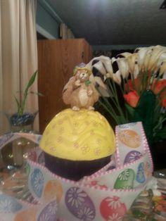 Concert cupcake for the garden.  Garden bunny.