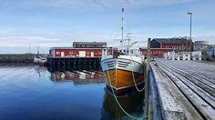 Langs kaia på HattvikaLodge  #Norge #Norway #Nordland #Lofoten #Vestvågøy #Ballstad #hattvikalodge #båt #boat #skøyte #fishingboat #kai #docks #visitnorway #visitlofoten #mittnorge