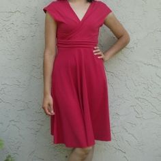 Easy comfy and beautiful Paula dress free sewing pattern. The dress comes in sizes XS to XXXL.