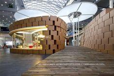 Arquitectura Modelo: 'Living Nature', por HRuiz-Velázquez, un stand hecho con cajas de cartón