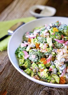 Broccoli Tarragon Salad with Golden Raisins Marinated Red Onion and Pepitas- this fresh crunchy healthy salad is the perfect side dish. Fresh Broccoli, Broccoli Salad, Vegetable Salad, Vegetable Dishes, Food Dishes, Side Dishes, Roasted Pumpkin Seeds, Golden Raisins, Healthy Salad Recipes