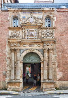 Hôtel de Felzins, rue de la Dalbade à Toulouse, France © D. Viet #visiteztoulouse