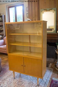 Furniture makeover: 5 mistakes to avoid – 10 Main Street - Home & DIY Retro Furniture Makeover, Vintage Furniture, Bookshelves, Bookcase, Vintage Bookshelf, By Any Means Necessary, Drinks Cabinet, Home Accents, Luxury Homes