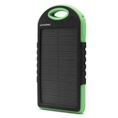 CARGADOR SOLAR 5000 MAH SUN-BANK II Precio Devuelving: 35,30 € Unotec SunBank II le permitirá recargar la gran mayoría de dispositivos móviles como smartphones, tablets, GPS, reproductores MP3 y muchos otros dispositivos, con una capacidad de carga de 5000 mAh y dos salidas USB por lo que permite la carga simultánea de dos dispositivos. Simplemente conecte el Powerbank solar a su dispositivo y comience a cargarlo.