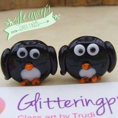 Glass Lampwork Beads Slim Jim Christmas penguin by GlitteringprizeGlass, £4.15 Penguin beads, Christmas jewellery jewelery handmade