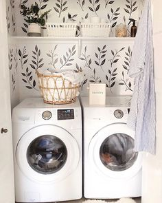 🍁 is anyone else doing all the laundry? I am final… Happy Thanksgiving weekend!🍁 is anyone else doing all the laundry? I am finally caught up and it sure feels good🙌🏼… Laundry Room Storage, Laundry Room Design, Laundry In Bathroom, Laundry Rooms, Laundry Closet, Br House, Cozy House, Laundry Room Inspiration, Home Decor Inspiration
