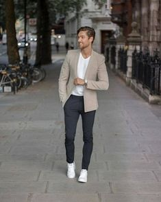 185 business casual outfits for working men – page 16 Blazer Outfits Casual, Stylish Mens Outfits, Business Casual Outfits, Business Casual Male, Outfits Hombre, Casual Pants, Beige Suits For Men, Mens Casual Suits, Blazers For Men Casual