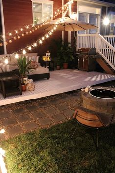 A floating deck is the perfect way to add something a little extra to your backyard. These easy DIY tutorials for floating decks will help you get started. Budget Patio, Small Patio Ideas On A Budget, Patio Diy, Patio Decorating Ideas On A Budget, Diy Deck, Porch Decorating, Decor Ideas, Cheap Backyard Makeover Ideas, Small Backyard Design