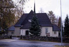 Heinolan maaseurakunnan kirkko. Kuva: MV/RHO 33640 Martti Jokinen 1989 Grave Monuments, Graveyards, Old Buildings, Finland, Cabin, Landscape, Architecture, House Styles, Design