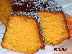 - 150ml de óleo  - 150ml de leite  - 250g de açúcar   - 300g de farinha de trigo   - 200g de abóbora crua picada  - 4 ovos   - 1 colher de sobremesa de fermento em pó   - 1 pitada de sal   - 100g de coco ralado   -   - Cobertura:  -   - Geleia de laranja ou outra a seu gosto  - Côco ralado