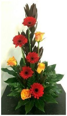 Valentine Flower Arrangements, Contemporary Flower Arrangements, Tropical Flower Arrangements, Creative Flower Arrangements, Flower Arrangement Designs, Church Flower Arrangements, Beautiful Flower Arrangements, Beautiful Flowers, Simple Flowers