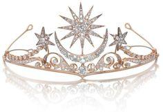 A diamond tiara/brooch/ring combination, circa 1900 The central sunburst and cre. A diamond tiara/ Jewelry Box, Jewelery, Jewelry Accessories, Fine Jewelry, Jewelry Rings, Fashion Accessories, Fashion Jewelry, Royal Jewels, Crown Jewels