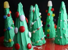 Looking for a Christmas Food Crafts For Kids. We have Christmas Food Crafts For Kids and the other about Play Kids it free. Christmas Tree Ice Cream, Christmas Tree Food, Christmas Tree Cookies, Christmas In July, Christmas Crafts For Kids, Christmas Goodies, Christmas Treats, Simple Christmas, Holiday Crafts