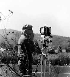 chagalov:    Manuel Álvarez Bravo in the field, 1970 -by Graciela Iturbide[t.o.: Manuel Álvarez Bravo en el campo]  from 591photography  Thanks to chagalov.