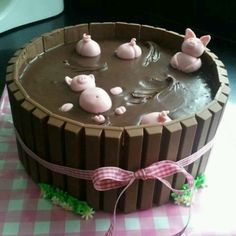 Funny pictures about Pigs Playing In The Mud Cake. Oh, and cool pics about Pigs Playing In The Mud Cake. Also, Pigs Playing In The Mud Cake photos. Food Cakes, Cupcake Cakes, Oreo Cupcakes, Cupcake Ideas, Cake Cookies, Sugar Cookies, Beautiful Cakes, Amazing Cakes, It's Amazing