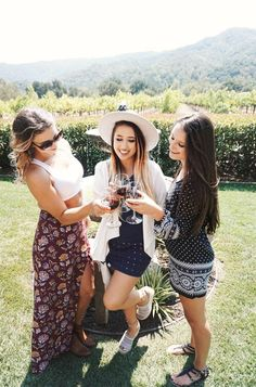 What to Wear to a Winery Spring Summer Fashion, Spring Outfits, Outfit Summer, Wine Tasting Outfit, Birthday Outfit For Women, Girls Time, Girl Poses, What To Wear, Cute Outfits