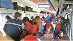 #Trenuri supraaglomerate dinspre litoral spre București. Călătorii stau pe jos în vagoane