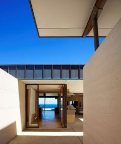 Rammed Earth Home in Westlake Hills, Texas. The two foot thick rammed earth walls are a very efficient thermal mass, and minimize the need for air conditioning. www.loukimball.com