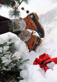 Bean boots for winter Noel Christmas, Little Christmas, All Things Christmas, Winter Christmas, Magical Christmas, Christmas Pictures, Winter Magic, Winter Snow, Winter Time