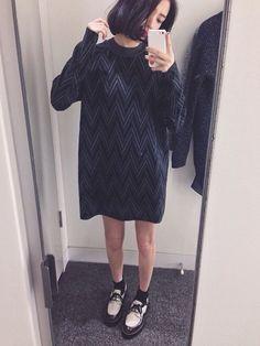 Jumper dress, shoes