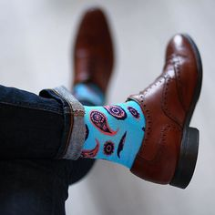 Dapper feels on a Friday. @henrikbirkeland #HappySocks #HappinessEverywhere