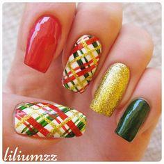 """Christmas plaid pattern!! Check out my instagram @liliumzz    inspiration @sharingvu #lovesharingvu #christmasmani #plaidpattern""#nail #nails #nailart #naildesign #nailpolish #nailstagram #manicure #mani #neglelakk #manikyr #instanails #nagellack #nailspiration #nagellack  #notd #nailsoftheday #liliumzz #cutenails #cutemani #nails2inspire #winternails #christmasnails #plaid #plaidnails #holidaynails"