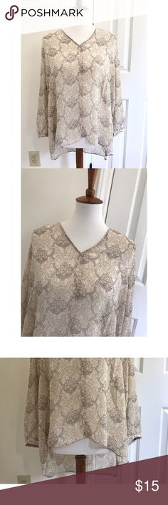 Saint Tropez printed blouse - Size XL - I don't trade or sell outside of posh. - I ship every single day!  - All items come from a smoke free home!  - If you have anymore questions just let me know and I would be happy to help! 🙂 Saint Tropez West Tops Blouses