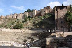 Das römische Theater und die Alcazaba schließen sich an die Altstadt von Málaga an